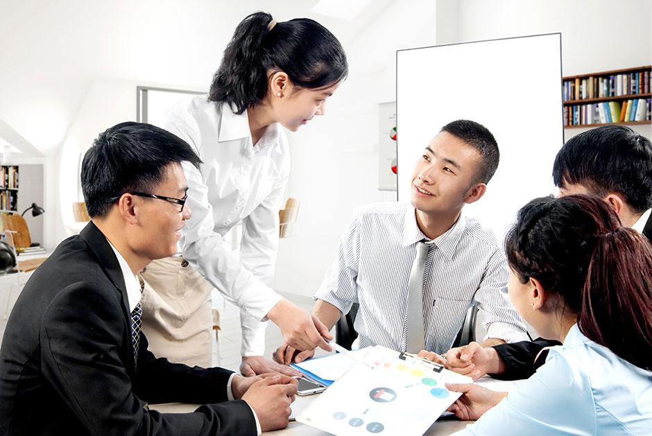 Bài toán số hóa doanh nghiệp bất động sản: Chuyên nghiệp hóa hoạt động chăm sóc khách hàng