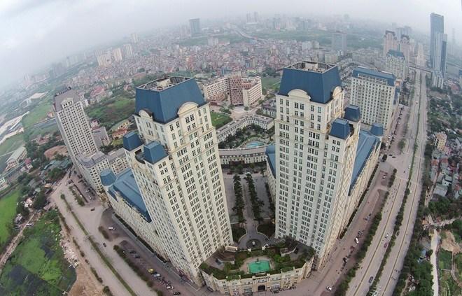 """Lạm dụng đòn bẩy tài chính bất động sản – Nhiều doanh nghiệp địa ốc phải """"ôm nợ"""""""